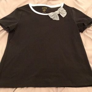NWT Kate Spade adorable tee with bow accent
